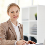 Person_Office_01_web